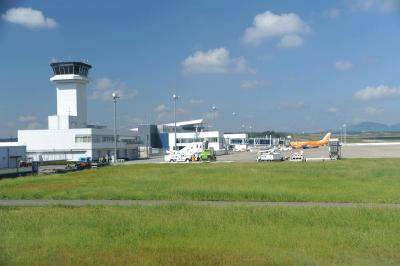 富士山静岡空港へ=FDA機を空港展望台から=