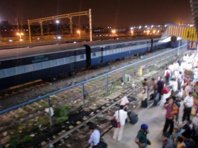 北インドの旅(6) 3日目 デリーから夜行列車でハリドワールへ