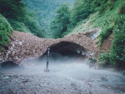 """北海道のB級でマイナーな観光地めぐり9708 「現在は、1年に1日しか見学できない""""氷のトンネル""""」 ~西興部村・北海道~"""