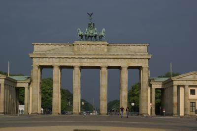 勝利の象徴と平和の象徴 ブランデングルグ門とクワドリガ
