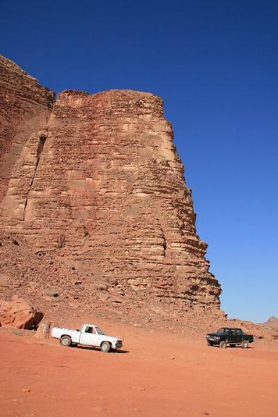 出来たてホヤホヤの世界遺産ワディ・ラムで砂漠キャンプ!
