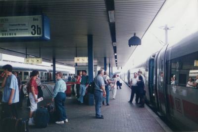 ◎あーらーまぁー!!「列車を間違えた!」1994年7月 独・マンハイム駅
