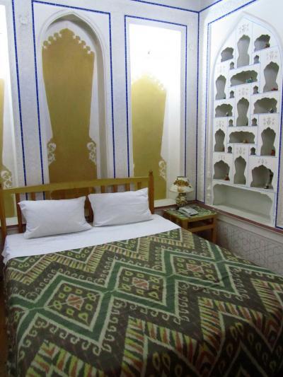 2011年秋ウズベキスタン旅行ハイライトその2:ホテルと朝食編<後編:ブハラにて───旧市街のエキゾチックで可愛らしいホテル・コミル>