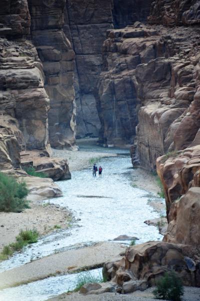 ヨルダン・死海リゾート&ぺトラ遺跡NO.5 ムジブ保護地区リバーウォークと死海浮遊体験