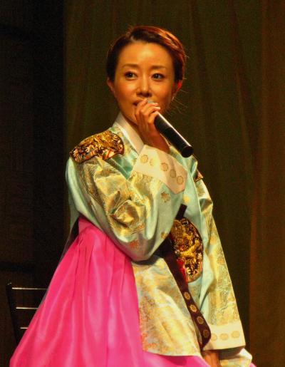 旅博2011b トーク・ドラム・民族音楽ショー多彩に ☆韓国・南ア・ベトナムなど