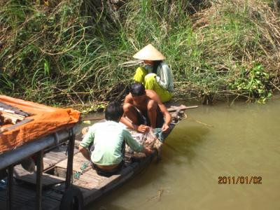 アジアハイウェイの源流を訪ねて(118)ベトナムを去るに当たって;国境線上に暮す人々。