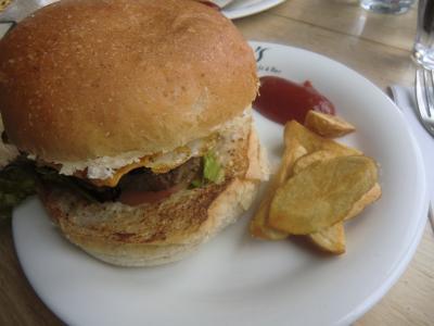 倶知安でランチ ハンバーガー屋さん
