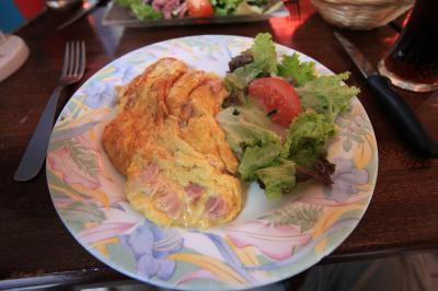 【欧州旅行22日目】 ○ ランチにオムレツを食べてみました 「BRASSERIE AT-HOME」