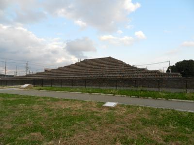 『土塔』(大阪府堺市)◆えっ!?堺にピラミッド!?