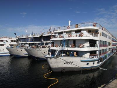 遺跡巡りは優雅に・・・・・3泊4日のナイルクルーズに出航