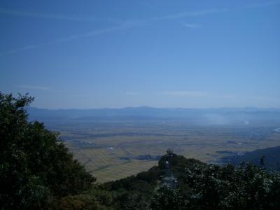 新潟へ 弥彦の山から見渡す瑞穂の大地