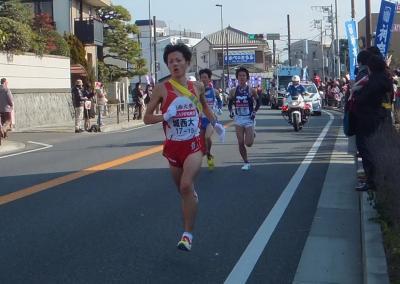 箱根駅伝コース・ウォーキング 第4区 : 1月2日・大磯で箱根駅伝応援、その後国府津まで歩く。1月8日・小田原中継所到達。