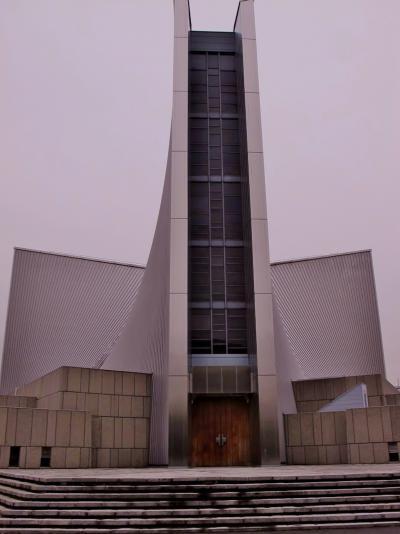 東京カテドラル聖マリア大聖堂を訪ねて ☆ルルドの泉の洞窟を再現