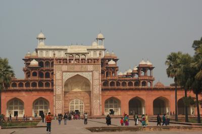 インド⑤ アグラ アグラ城・ファテーブルスィークリー