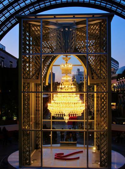 恵比寿ガーデンプレイス バカラ製  シャンデリア点燈 ☆-歓びのかたち-の輝き