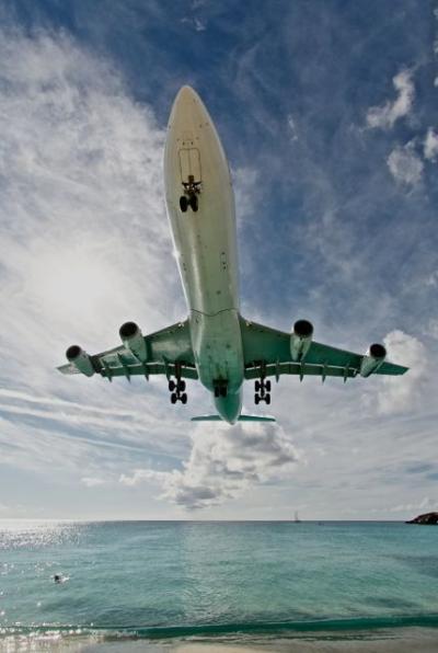 飛行機ファン、応答せよ!翼の天国セントマーチン 2012