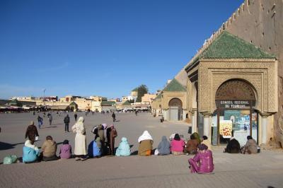 2012正月、モロッコ王国旅行記(35):1月11日(1):古都フェズから古都メクネスへ、エディム広場・マンスール門