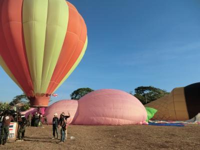 チェンマイ バルーン フェステバル に行ってきました・・・ 素敵・興奮・感激・2012