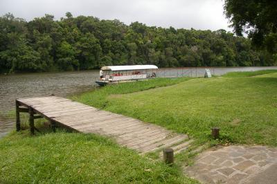 バロン川クルーズとクランダ町内の散策