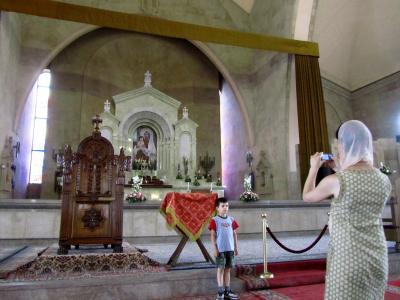 2011年コーカサス3カ国旅行第10日目(1)エレヴァン:バラ色の凝灰岩の建物が美しく歴史の新しい街散策と街一番の大きさと新しさを誇るスルプ・グリゴル・ルサヴォリチ大聖堂