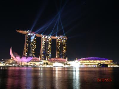 TRANSIT (トランジット) でシンガポール  ここは日本?