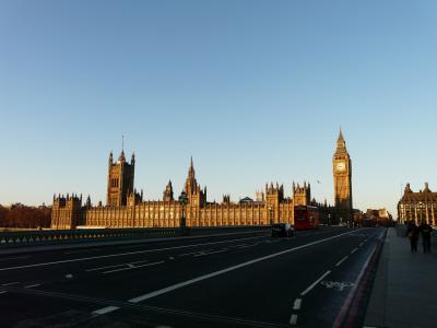2012正月 12年ぶりのロンドン滞在記(5)ビッグベン・テムズ川沿い散策とV&A博物館