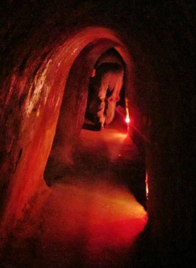 ベトナム23 クチトンネルb 苦闘の地下道を抜けて  ☆平和よみがえり