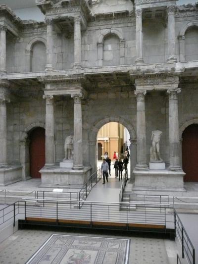 雨のベルリン、ドレースデン2011 ?? ペルガモン博物館 ギリシャゾーン