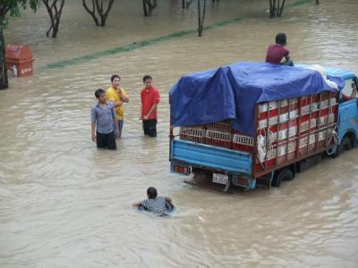 洪水のカンボジア