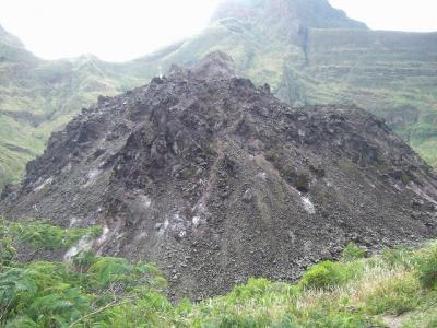 今も続く、クルッドゥ山(G.Kelud)の火山活動 2011.Indonesia vol.1