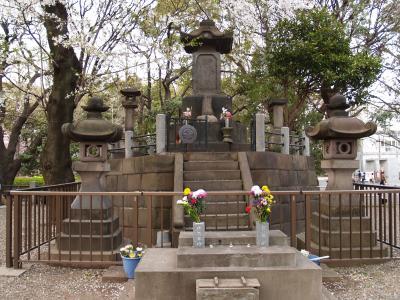 彰義隊の墓(上野公園)