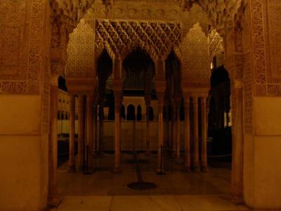 夜のアルハンブラ宮殿