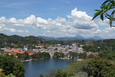 20120209 キャンディ 切符買って → マーケット行って → Lake View Point → Kandy Lake一周