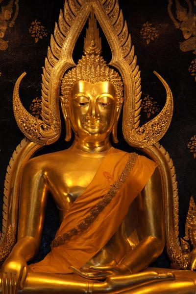 20120228 ピッサヌローク タイで一番美しい仏像を見てから、スコータイへ移動