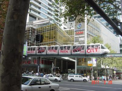 シドニー市内・・・・・大盛況ランチ模様