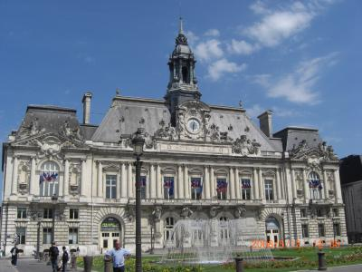 ⑥ Tours, Chinon の Rose :初夏を楽しむ4週間 TGV3600KM