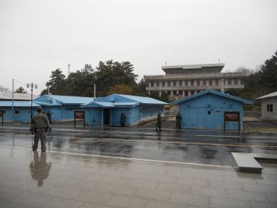 引き裂かれた南北の痛みを背負って暮らす老人の話に、改めて朝鮮半島の現実を知りました