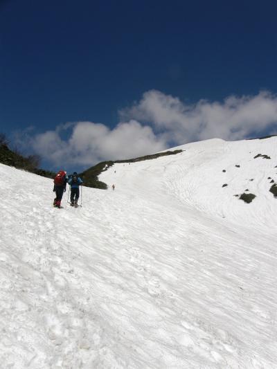 残雪の谷川岳に登頂