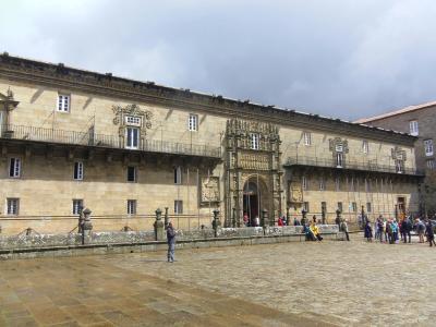「世界遺産」のパラドール・デ・サンティアゴ・デ・コンポステーラに泊まる。