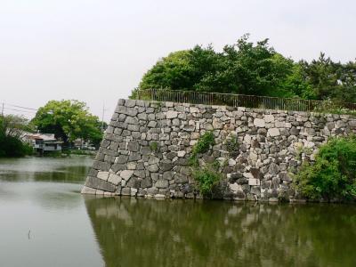 日本の旅 関西を歩く 京都市、淀城の石垣、堀周辺