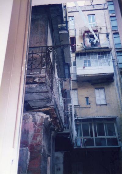 ■あーらーまぁー!!「夫婦喧嘩かぁ??」1999年7月 5泊したナポリの宿