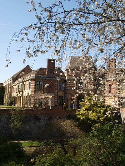 イングランド ~クリニッジのEltham Palace and Gardensにて
