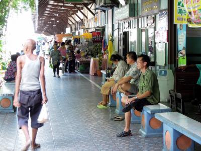 ウォンエンヤイの市場 * バンコク紀行(64) *