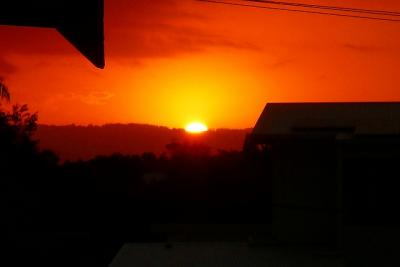 ゴールドコーストロングステイ(きれいな夕日と金星と月と木星が直列)