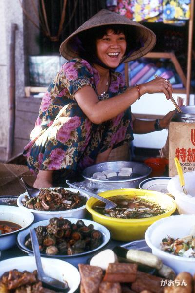 ミトーの市場で見た笑顔~ベトナムの旅1992