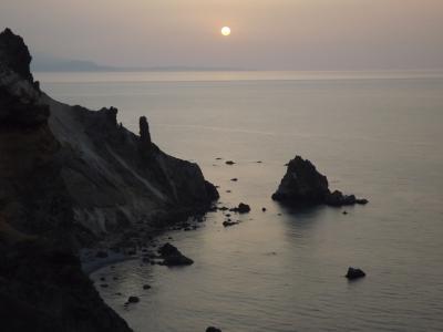 あなたの知らない?小樽・札幌 オタモイ海岸 青い海と断崖絶壁!春の野の花・妖精ウォッチング!