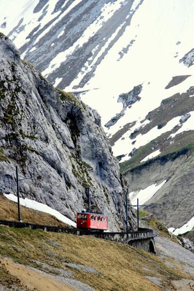 初夏のピラトゥス登山電車/スナップ紀行