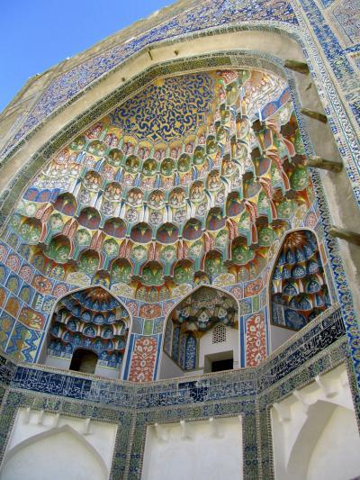 2011年秋ウズベキスタン旅行第3日目(2)ブハラ:午後の散策開始!──絨毯博物館のマゴキ・マッタリ・モスクからウルグベク・メドレセとアブドゥールアジス・ハン・メドレセまで、舌鼓を打ちっぱなし@