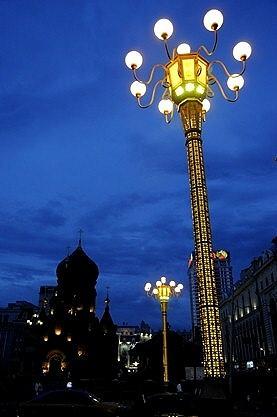 ★楊柳の綿毛舞う頃(3) −聖ソフィア教堂の昼と夜
