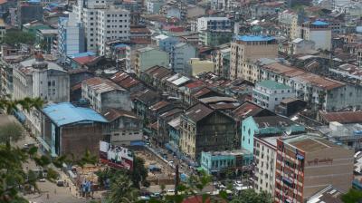 ヤンゴン市をぶらつく